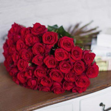 caa456892d22 Розы с доставкой, купить недорого, цены - Дискаунтер цветов в Омске